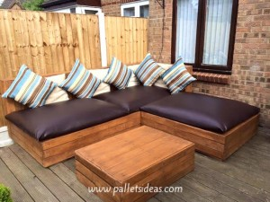 topDIY-Pallets-Wood-Corner-Sofa-designs-sofa-of-pallets