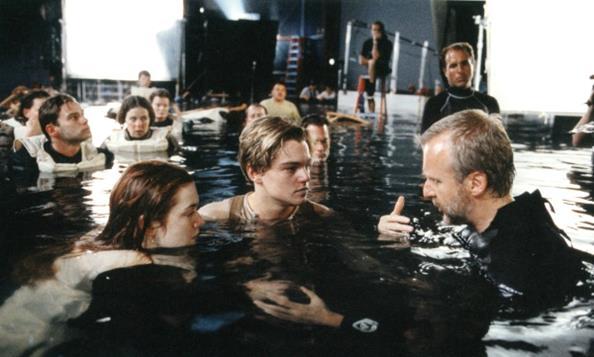 00-16-behind-the-scenes-photos-behind-the-scene-movie