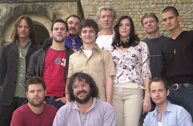 "Peter Jackson with the actors before shooting ""The Lord of the Rings"""