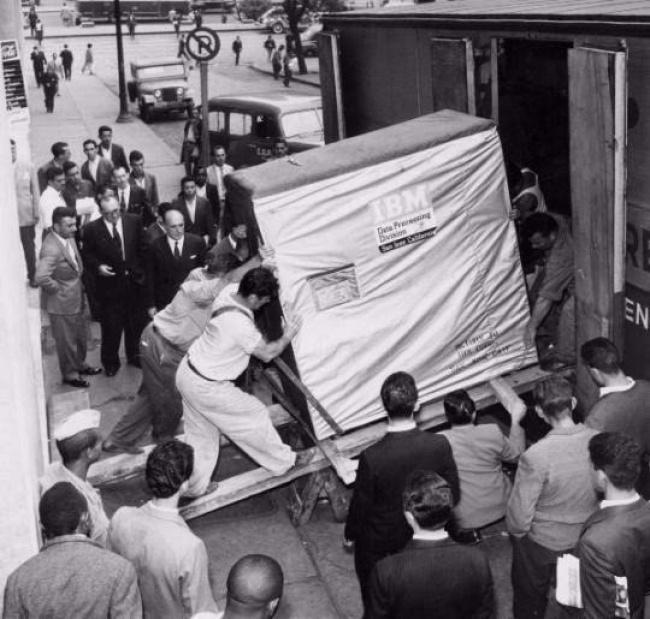 Loading 5-gigabyte hard drive of IBM, 1956