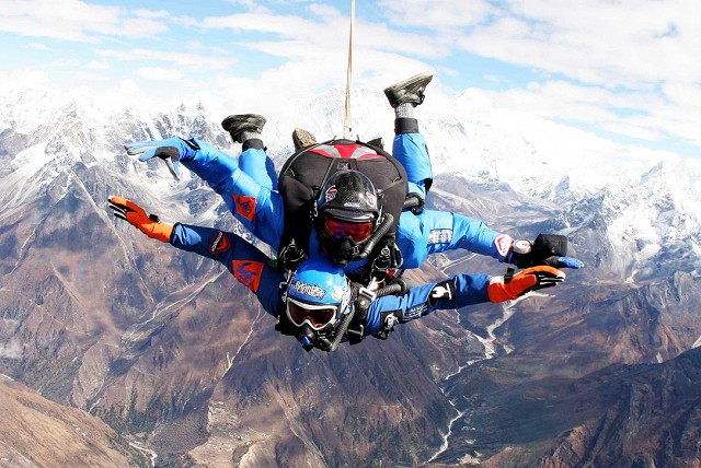 Skydiving Over Mount Everest, Nepalc)