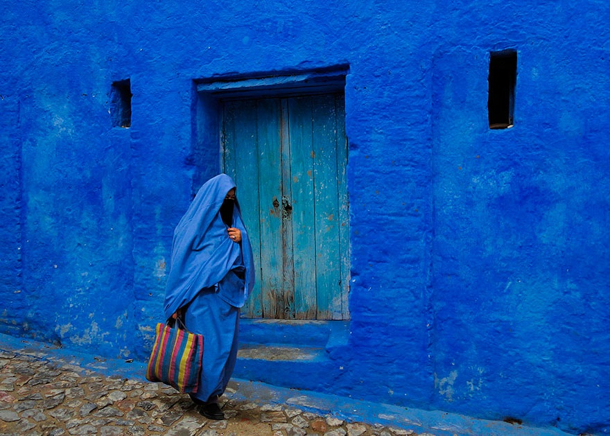 421655-880-1457695400-blue-streets-of-chefchaouen-morocco-17