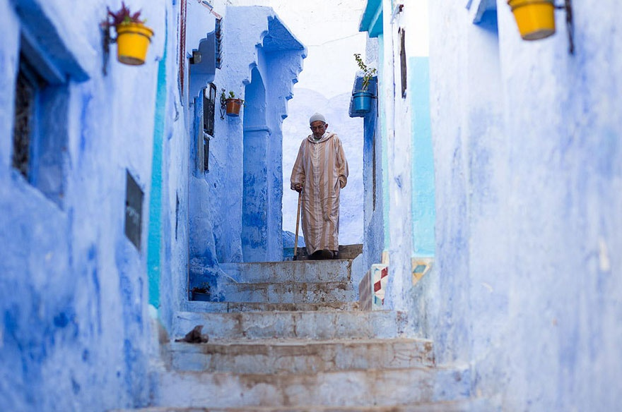 422055-880-1457695400-blue-streets-of-chefchaouen-morocco-7