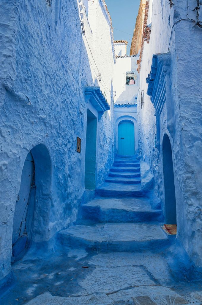 422255-880-1457695400-blue-streets-of-chefchaouen-morocco-5