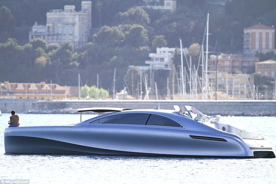 AD-Mercedes-Benz-Arrow-460-Granturismo-Yacht-01-design-bussines-design-mercedes