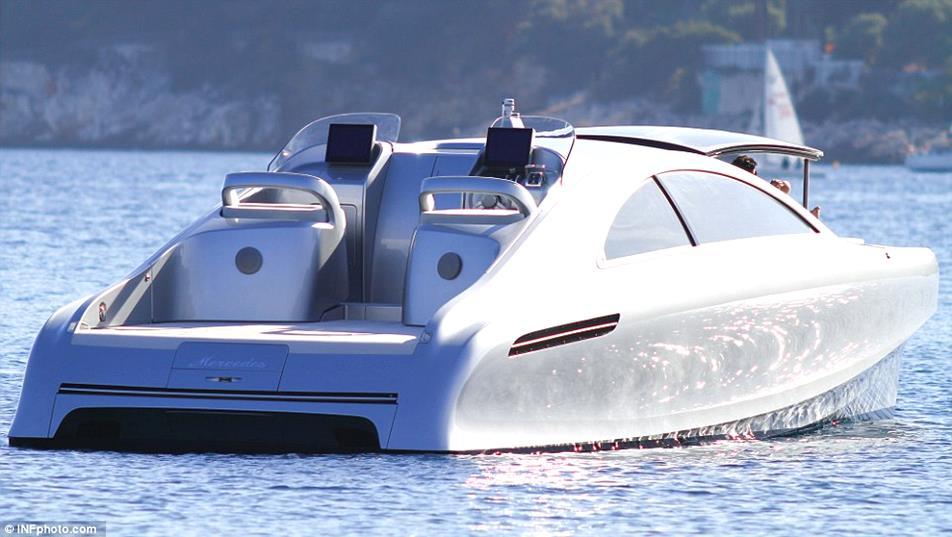 Mercedes-Benz-Arrow-460-Granturismo-Yacht-02-design-bussines-design-mercedes