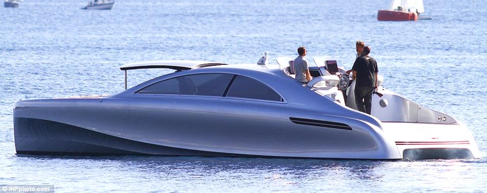Mercedes-Benz-Arrow-460-Granturismo-Yacht-05-design-bussines-design-mercedes