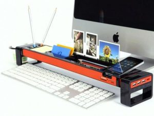 The desk organizer