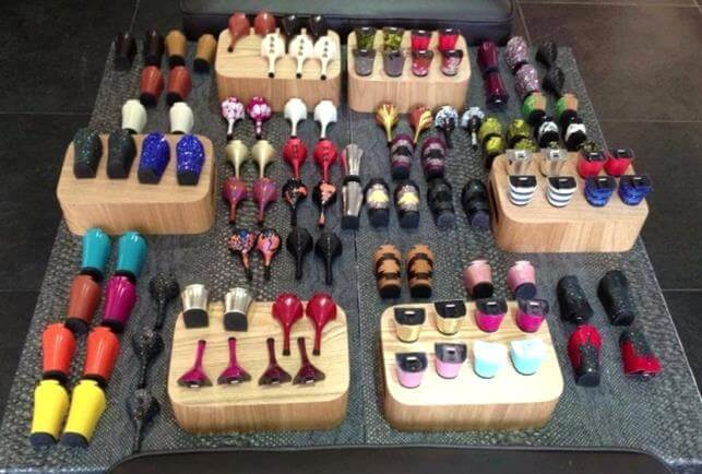 Shoes with interchangeable heels