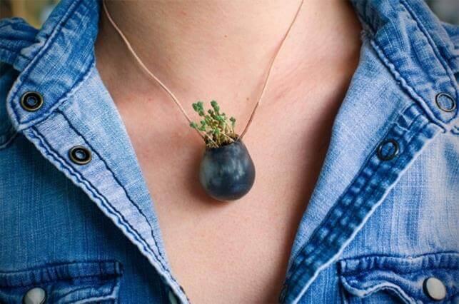 Miniature garden around the neck