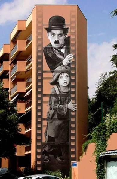 4-design-streetart-street-art-illusions-funny-street-art-mural